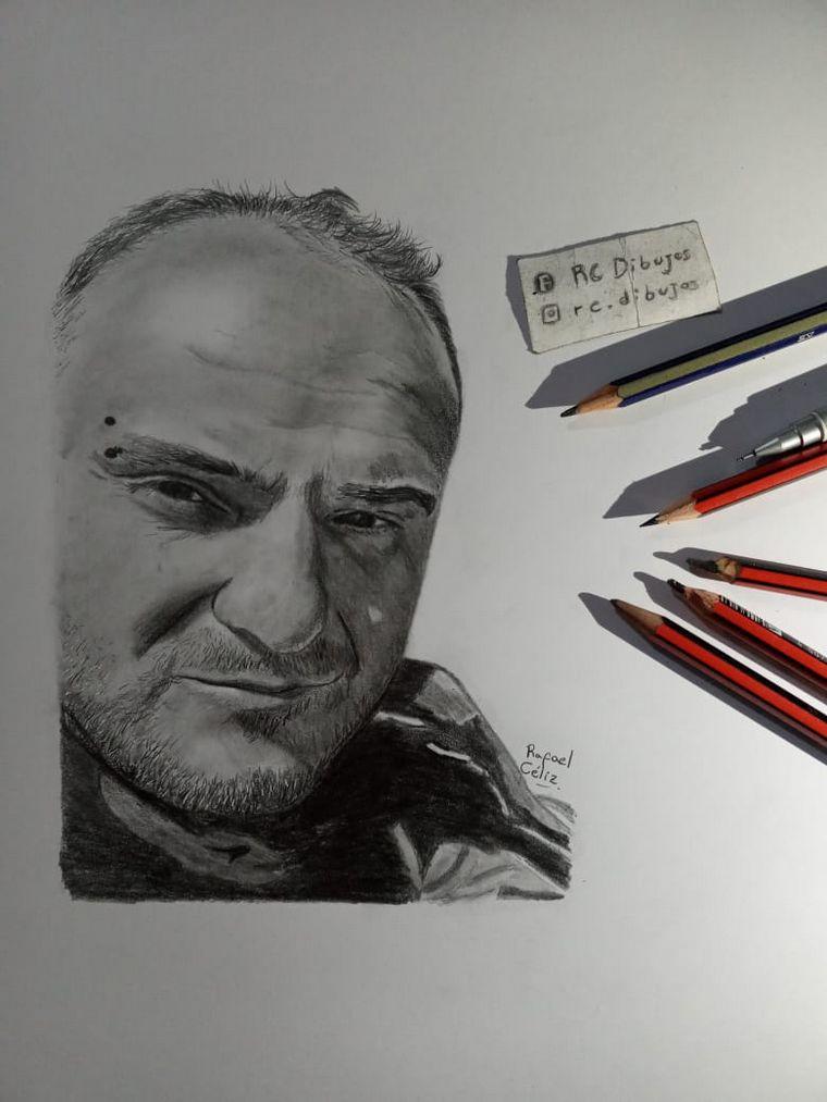 AUDIO: Dibujaba por ocio y ahora sus retratos llegaron a Inglaterra