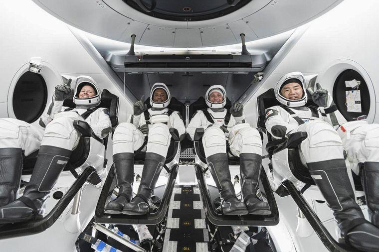 FOTO: La regresó al planeta la nave de Space X que estaba en misión.