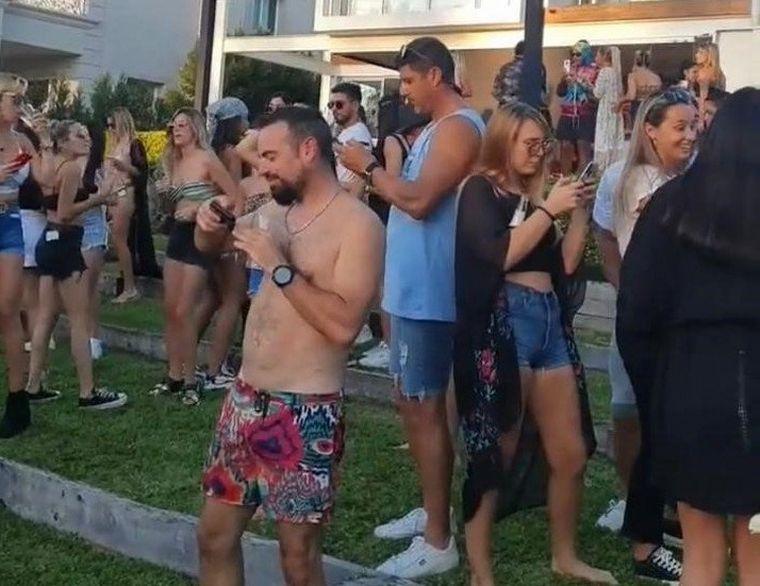FOTO: Desarticulan una fiesta en la que participaba un ex Boca