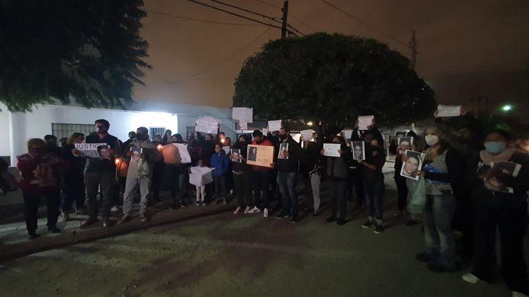FOTO: Marcha de velas en barrio José Hernández.