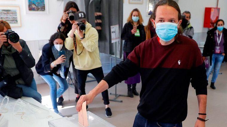 Pablo Iglesias dimite a cargos tras fracaso de la izquierda en Madrid