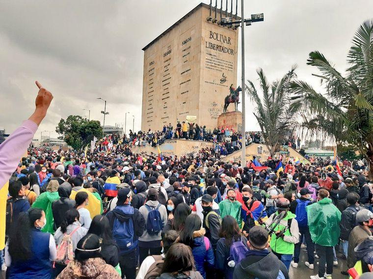 FOTO: Colombia vivió otra jornada de violentos enfrentamientos.