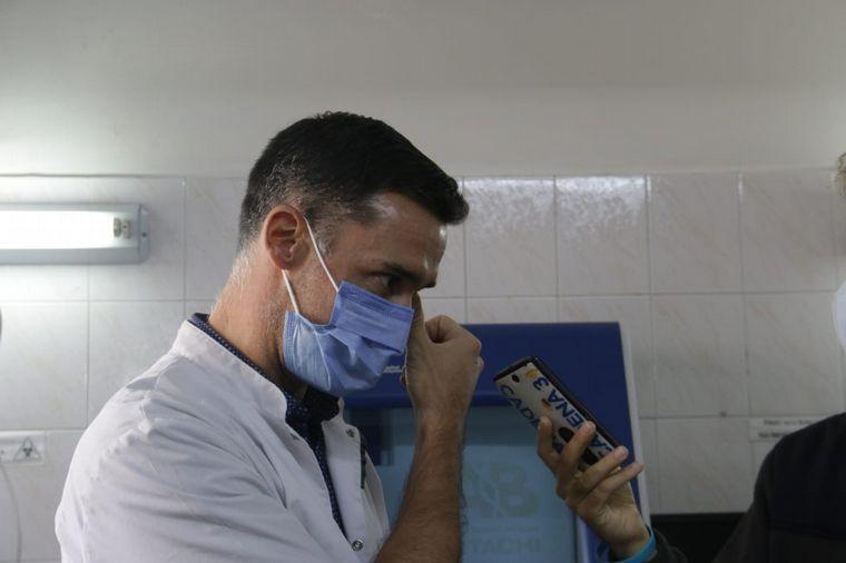 FOTO: Héroes de la pandemia: Gonzalo Castro, del Laboratorio Central Córdoba