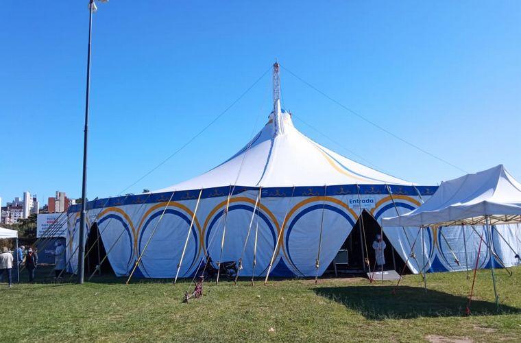 AUDIO: El circo Rodas prestó su carpa para usarla como centro de testeo