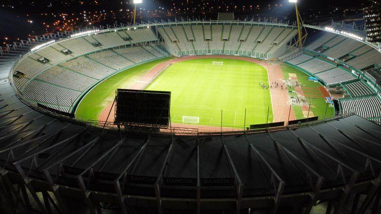 FOTO: Así luce el estadio Mario Alberto Kempes con la nueva iluminación.
