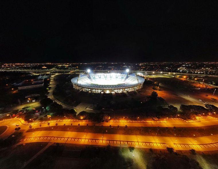 AUDIO: Probaron las nuevas luces de última generación del estadio Kempes