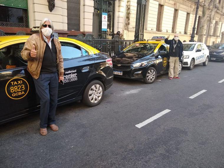FOTO: Taxistas celebran su día en la Avenida de Mayo