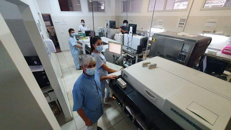 """FOTO: El personal del laboratorio expresó su cariño por """"Aldito""""."""
