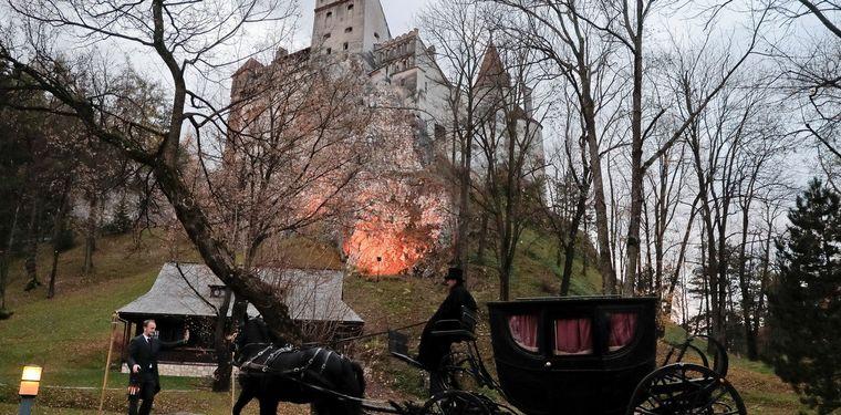 FOTO: El Castillo de Drácula en Rumania será un vacunatorio anti Covid-19