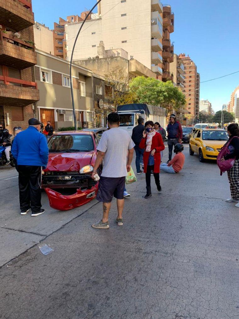 AUDIO: Derribaron con un pack de gaseosas a un motochorro en fuga