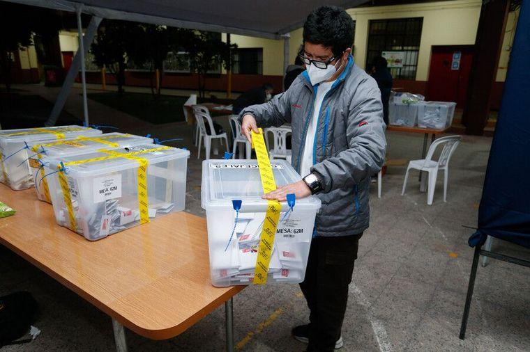 FOTO: Primer día de elecciones en Chile