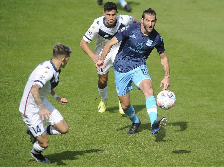 FOTO: Vélez y Racing chocan por un lugar en la semifinal.