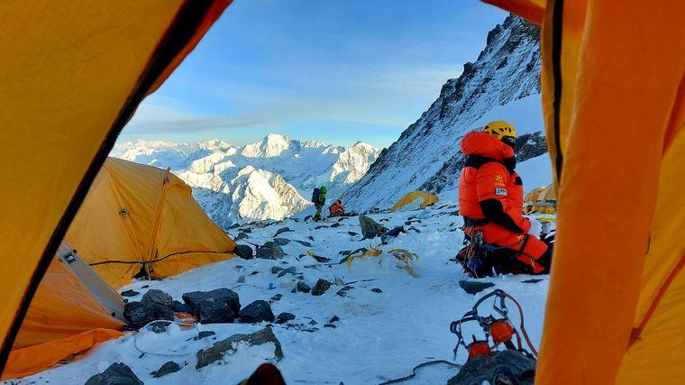 AUDIO: Un barilochense logró hacer cumbre en el Everest