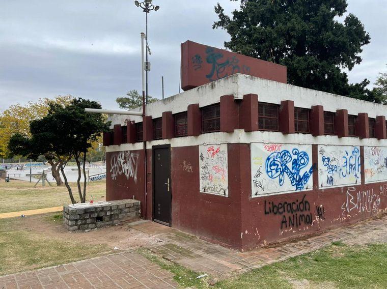 AUDIO: Vandalizaron los baños públicos del Parque Sarmiento