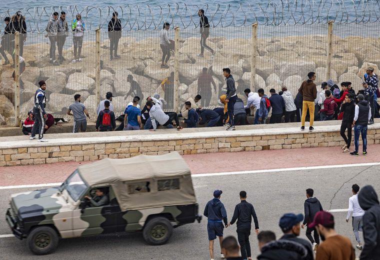 FOTO: Las autoridades españolas han respondido con devoluciones masivas de personas.