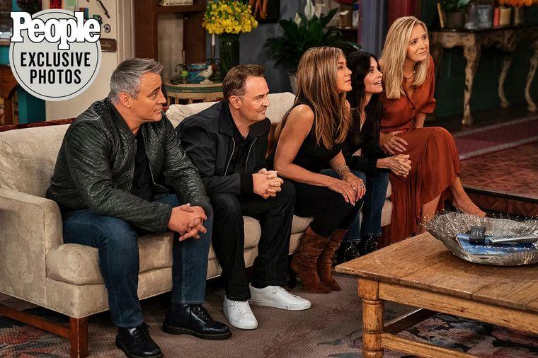 """FOTO: Los """"Friends"""" en la tapa de la revista People."""