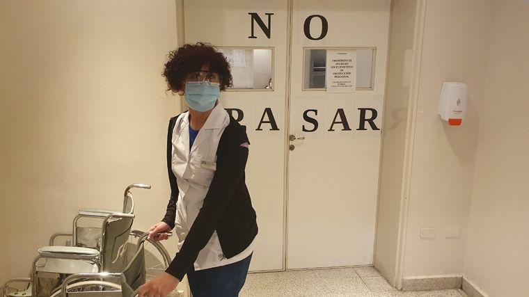 """AUDIO: """"Rulo"""", la enfermera artista que busca destapar sonrisas"""
