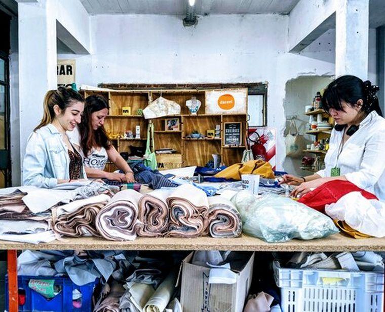FOTO: Lorena y Rocío son las emprendedoras detrás de la marca