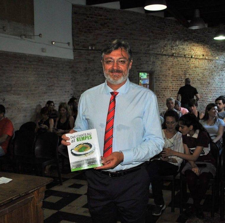 FOTO: José María Arnold, autor del libro