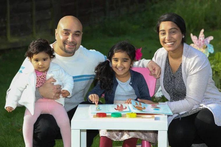FOTO: Dayaal Kaur, la pequeña genia británica de 4 años.