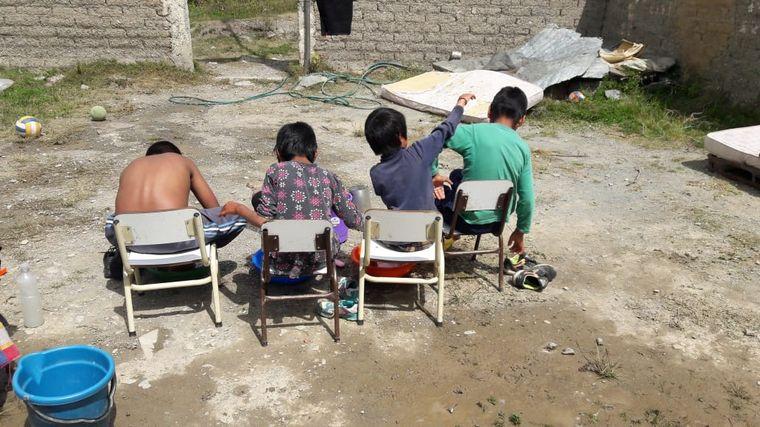 AUDIO: Viven 4 meses en la montaña con sus alumnos para educarlos