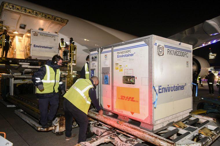 FOTO: Otro vuelo de Aerolíneas Argentinas partió rumbo a Moscú para buscar vacunas.