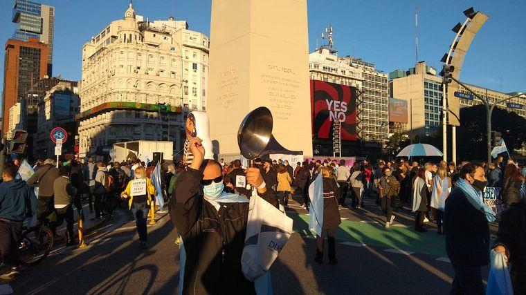 FOTO: Protesta en el Obelisco en contra del gobierno nacional