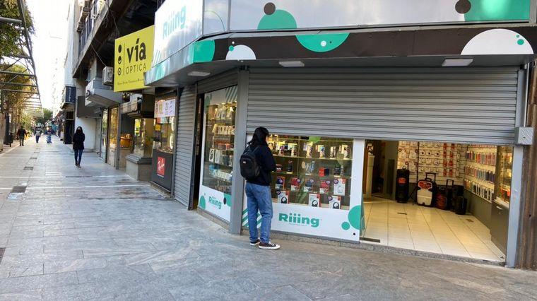 AUDIO: Comerciantes cordobeses desacatan medidas y abren locales