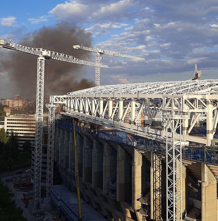 FOTO: Incendio en el Estado Santiago Bernabéu de España