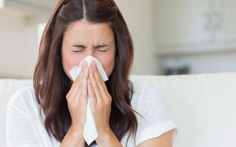 FOTO: La nariz inflamada o tapada, una nueva señal a tener en cuenta.