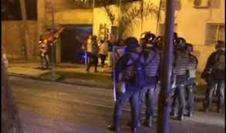 FOTO: Hinchas de Colón coparon las calles santafesinas.