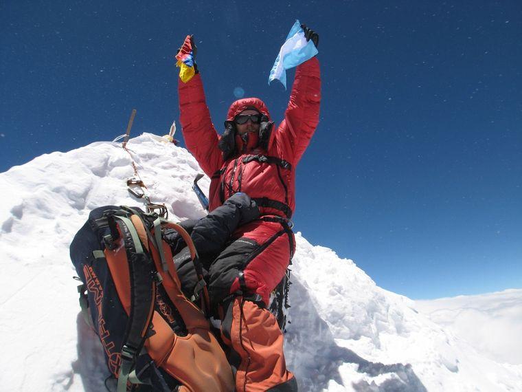 FOTO: Un cordobés que no tiene miedo de hacer cima en lo más alto