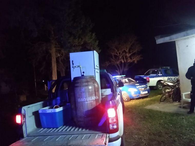 FOTO: Detuvieron a organizadores de fiesta clandestina por increpar a la Policía