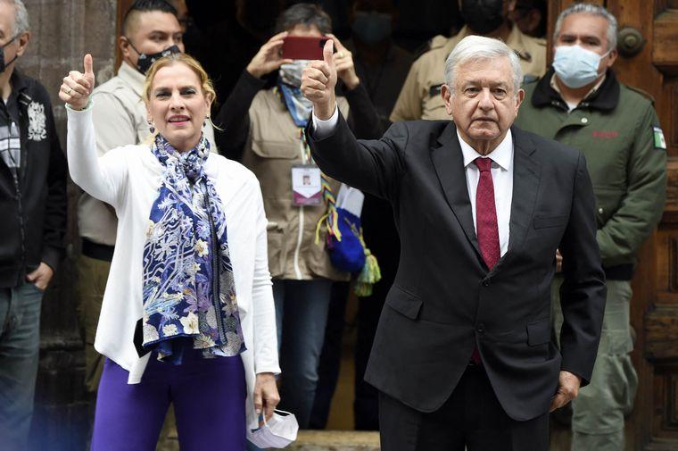AUDIO: México eligió representantes en los comicios más grandes de su historia.
