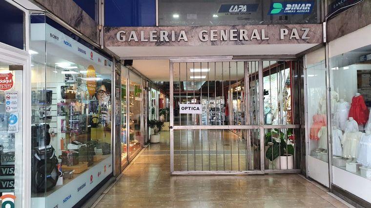 FOTO: Comerciantes de galerías protestan en Córdoba