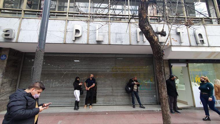 FOTO: Comerciantes protestaron en Córdoba por las restricciones