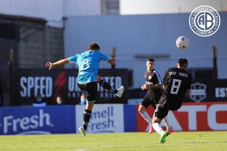 FOTO: Belgrano visita a Deportivo Riestra por la fecha 11.