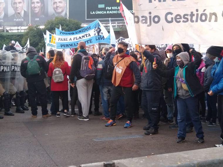AUDIO: Tensión por protesta de trabajadores en Buenos Aires