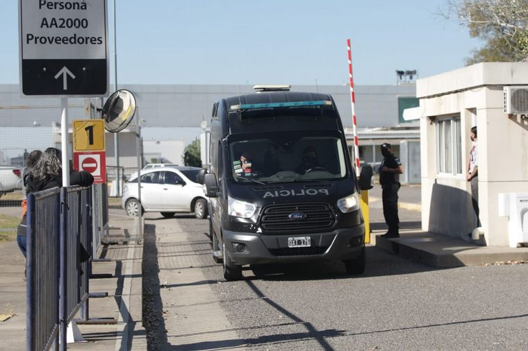 FOTO: Asi trasladaban al Pato Cabrera tras su arribo a Córdoba