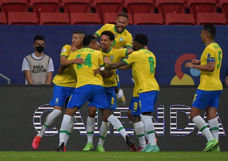 AUDIO: De penal, Neymar Jr. marcó el segundo del local.