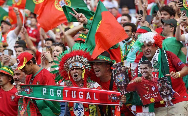 FOTO: Portugal goleó a Hungría a estadio lleno.