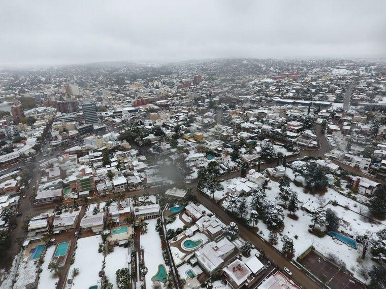 FOTO: Nieve en el Parque Sarmiento de Córdoba