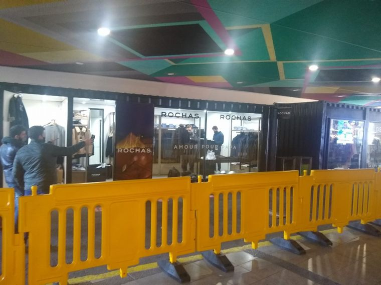 FOTO: Shopping Alto Palermo instaló containers para sus locales