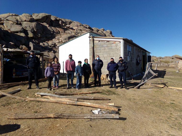 FOTO: Más gente se sumó a la causa y donaron ropa y otros objetos útiles.
