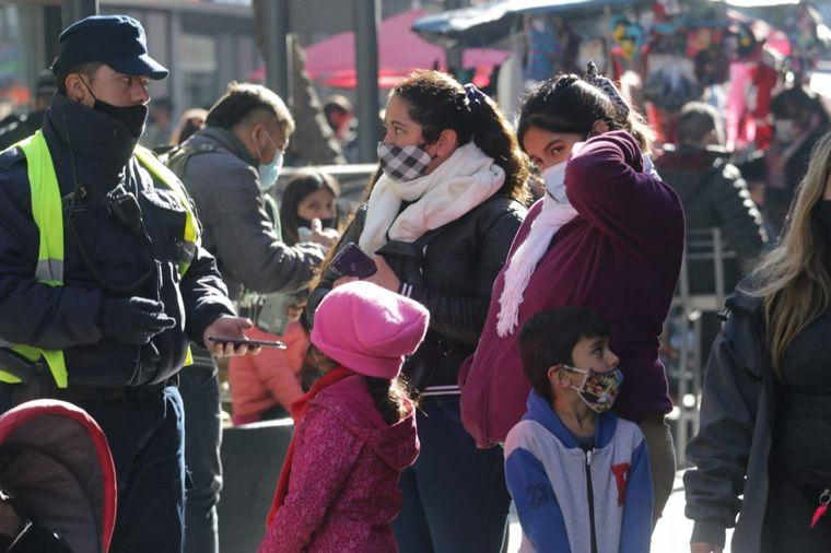 FOTO: Intenso movimiento en el centro de Córdoba por el Día del Padre