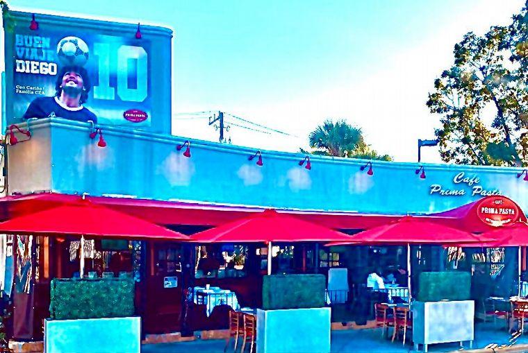 FOTO: Un loco por la música con su propio restaurant en Miami