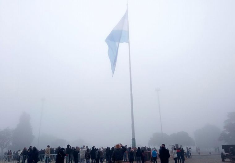 FOTO: Desfile aéreo en Rosario por el Día de la Bandera