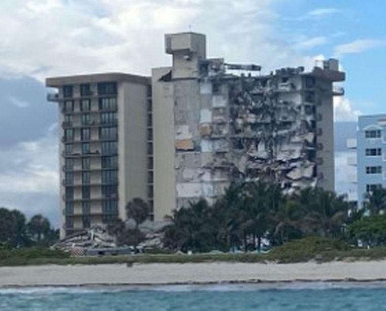 FOTO: Así quedó parte del edificio colapsado.