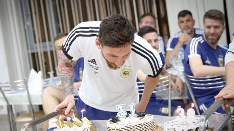 FOTO: Messi cumple años y la Selección lo sorprendió