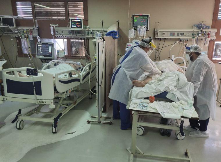 FOTO: Argentina superó los 92 mil muertos por coronavirus